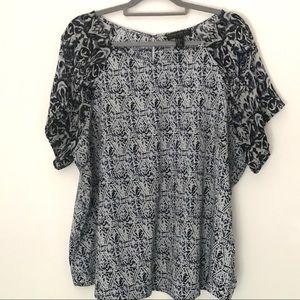 Forever 21 Plus 3X blue & white short sleeves top